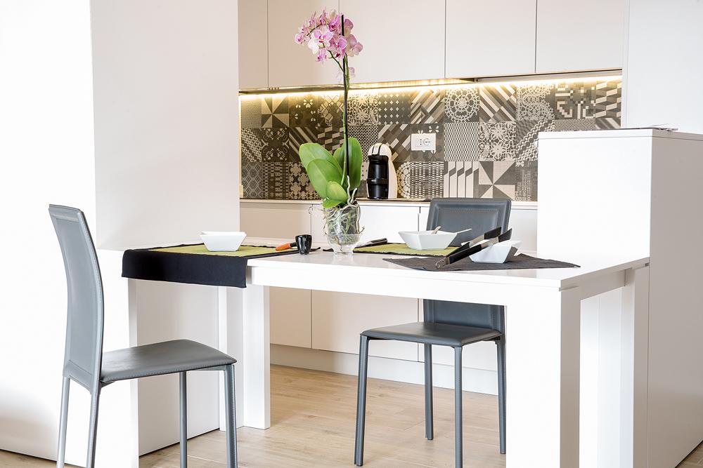 Living design parma ceramiche maioliche un tocco for Maioliche cucina