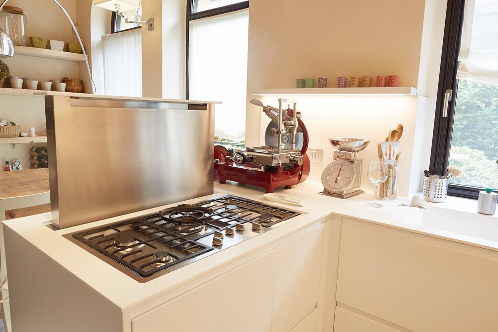 Living design parma come scegliere la cappa giusta per for Cappa cucina design