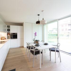 progettazione-interni-cucina-corian-parma-8